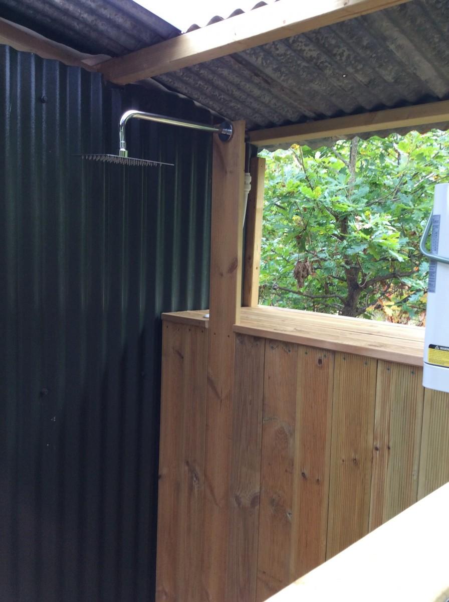shower cabin glamping